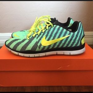 sports shoes 0f829 bc03d WMNS NIKE FREE TR FIT 3 PRT